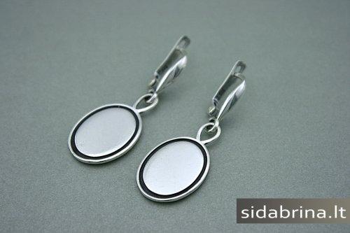 Kabantys sidabriniai auskarai