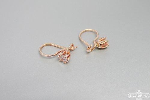 Smulkūs auksiniai auskarai