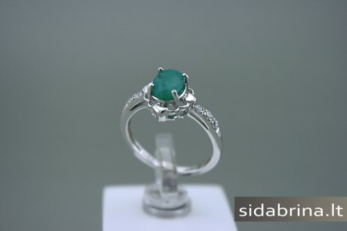 Žiedas su natūraliu akmeniu