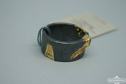 Žiedas su peridotais