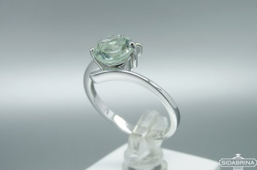 Žiedas su žaliu ametistu